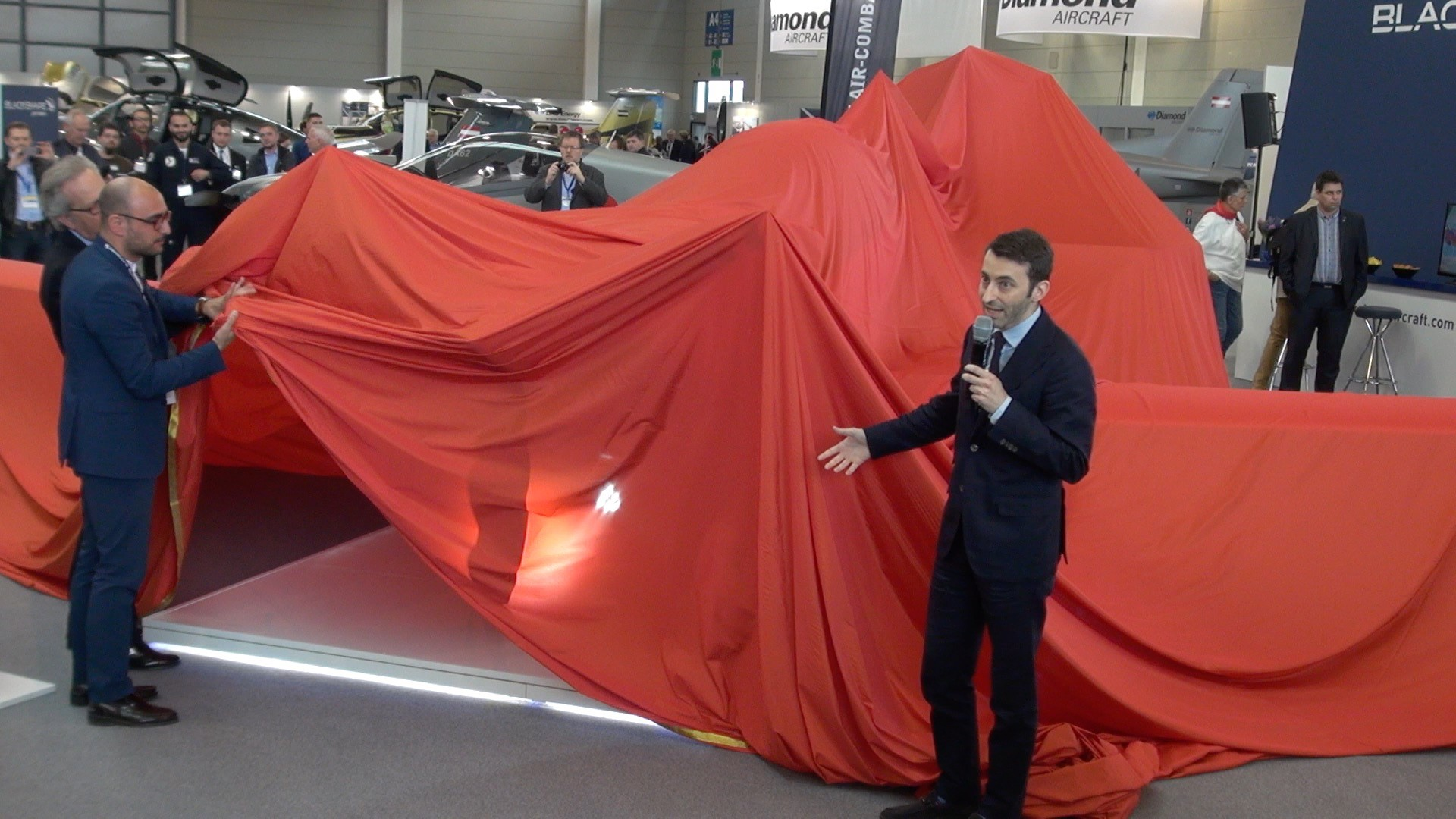 Blackshape CEO Luciano Belviso presents the Bk160 - Gabriél